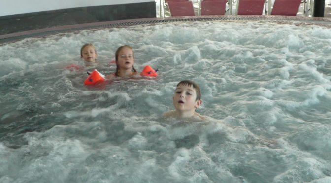 Schwimmen im Erlebnisbad